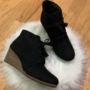 Dr. Scholl's Shoes Dakota ankle Boot, Black Suede